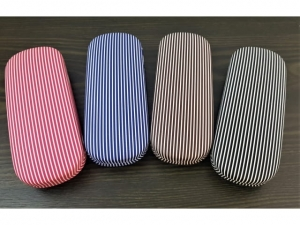 Striped glasses case   17610
